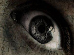 sombre-ecran-oeil-terrifie-big
